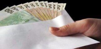 regalare soldi agli amici